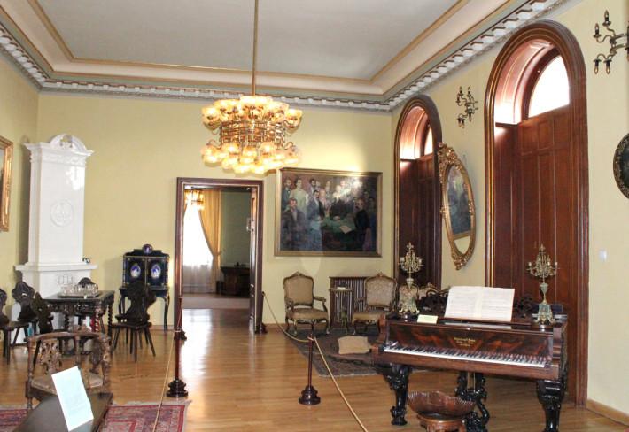 foto: muzeulliteraturiiiasi.ro