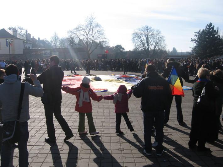 Hora Unirii in Alba Iulia cu ocazia zilei de 1 Decembrie, Foto: 1decembrie2008.wordpress.com