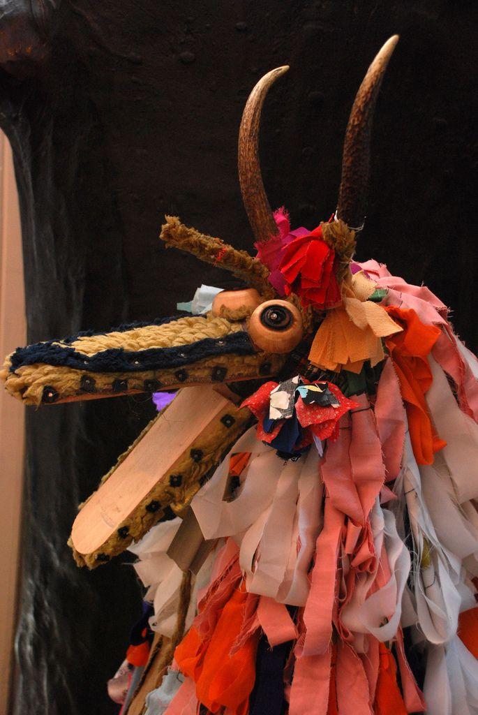 Masca si costumul folosite la umblatul cu Capra, Foto: pinterest.com