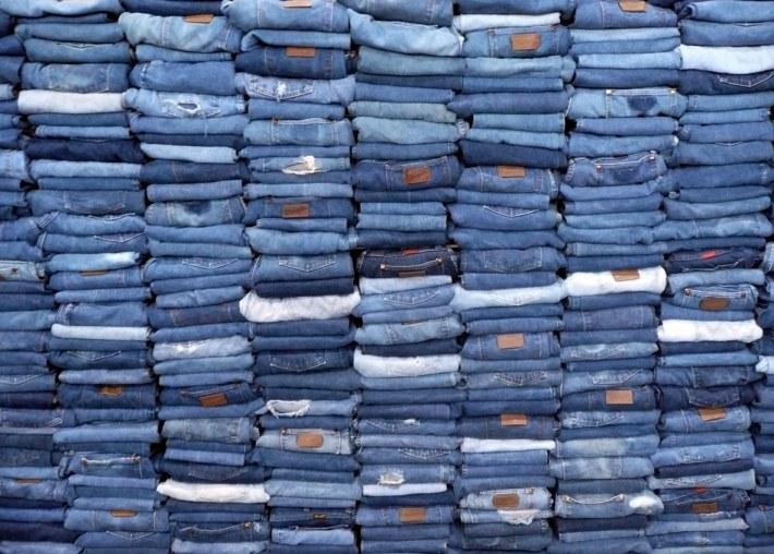 Blue-jeans mereu la moda, Foto: garyconklinglifenotes.wordpress.com