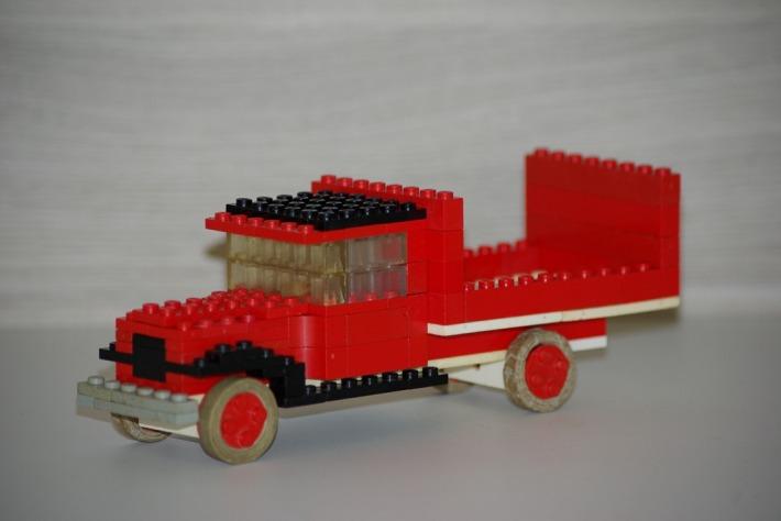 Masina din LEGO, Foto: batrouney.wordpress.com
