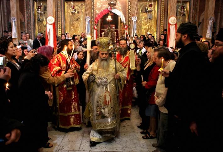 Slujba de Paste in Grecia, Foto: thermalsprings.wordpress.com