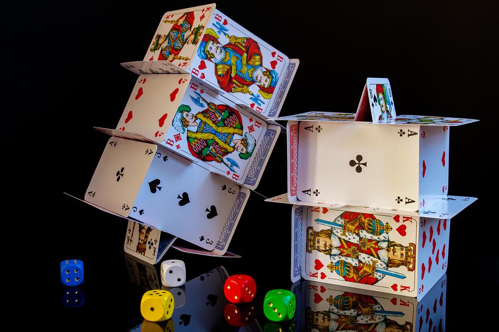 joc de carti cu figuri