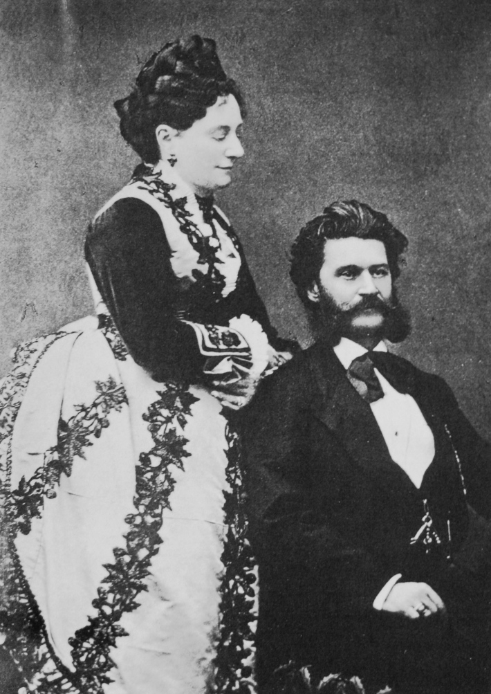 Johann Strauss si sotia Henriette, Foto: musicadecomedia.wordpress.com