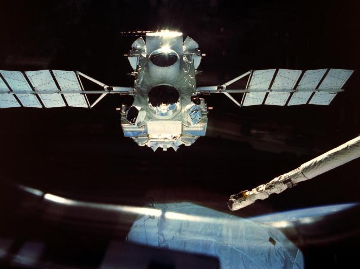 Observatorul Compton Gamma Ray, Foto: acesflyinghigh.wordpress.com