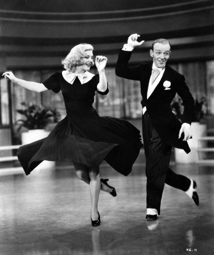 Dansul Foxtrot, Foto: eveproofreads.com