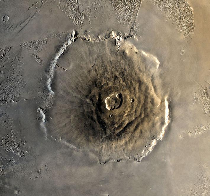 Olympus Mons, cel mai inalt multe din Sistemul Solar, Foto: en.wikipedia.org