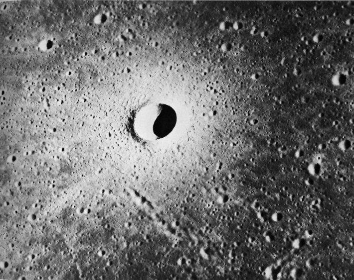 Craterul Linne de pe Luna, Foto: en.wikipedia.org