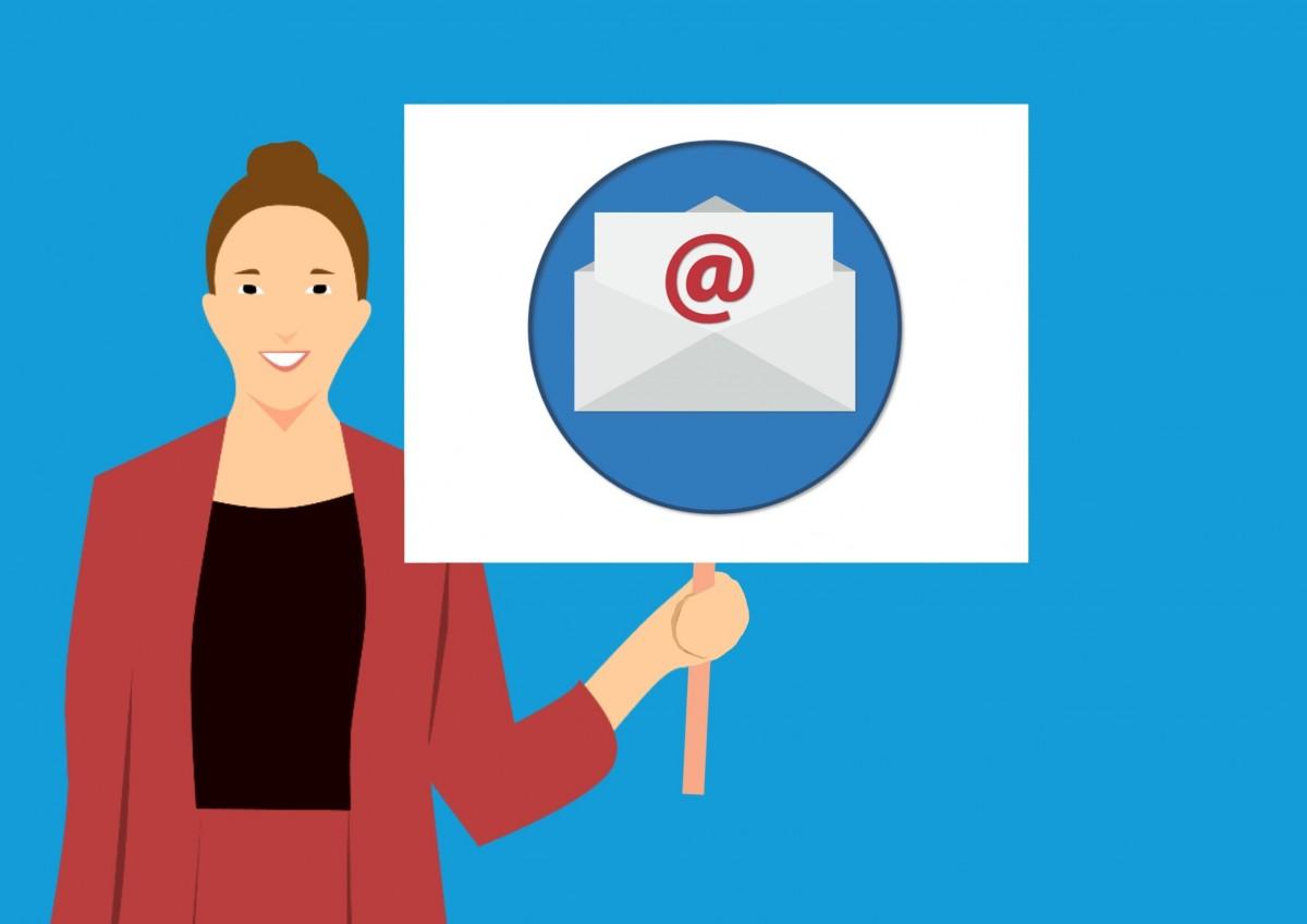 Adăugarea unui cont de e-mail la Outlook