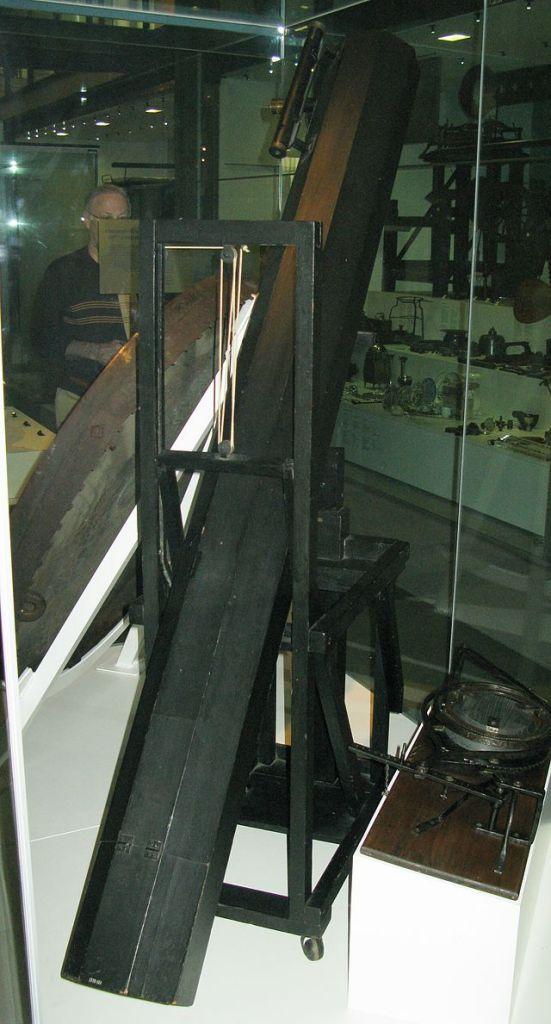 Telescopul creat de William Herschel in 1795 pentru sora sa Caroline, Foto: en.wikipedia.org
