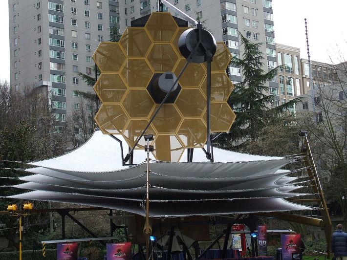 Telescopul James Webb expus in Washington, Foto: en.wikipedia.org