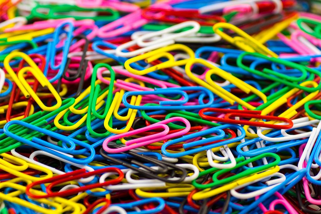 agrafe colorate