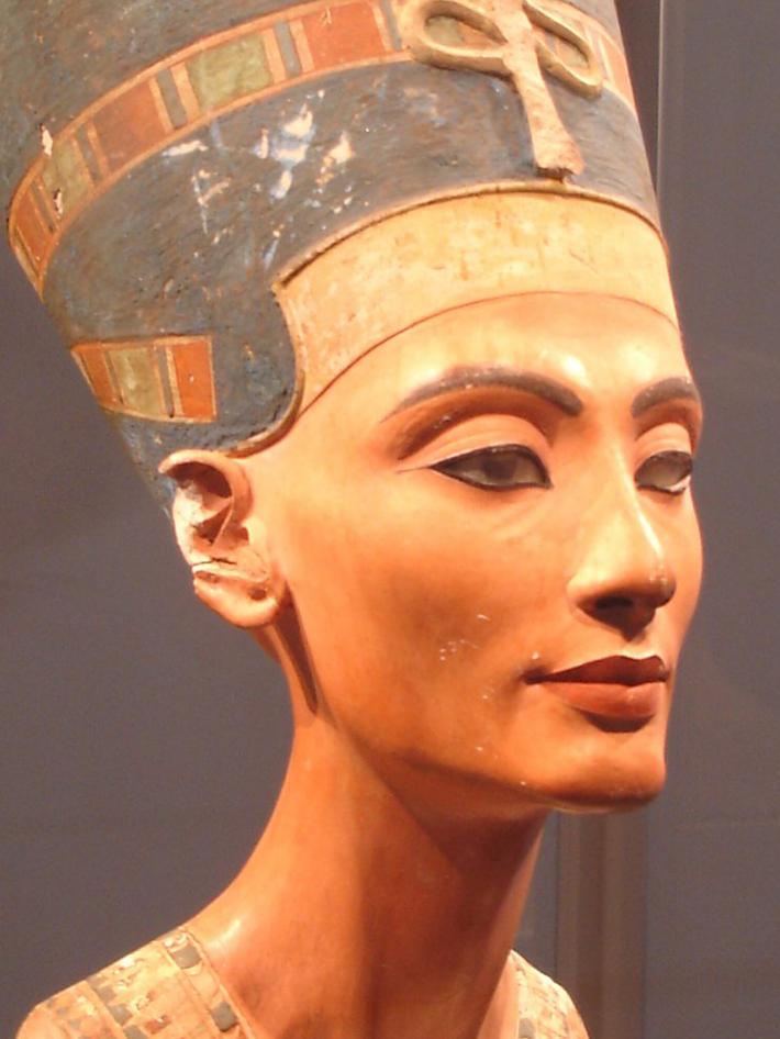 Statuia lui Nefertiti, Foto: francescomanfrediserra.wordpress.com