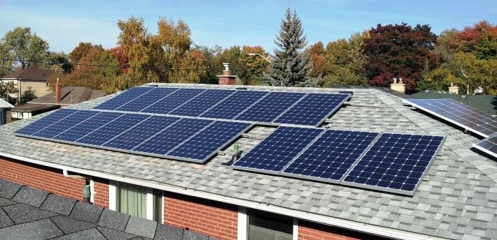 Panouri solare, Foto: ecoaltenergy.wordpress.com