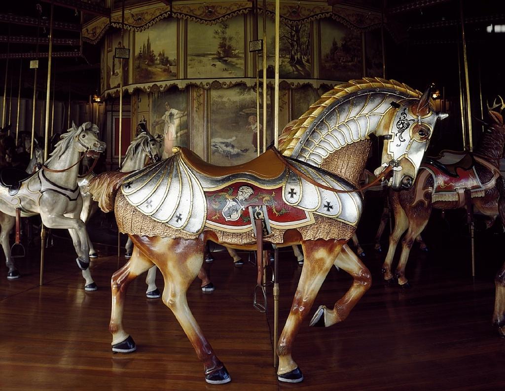 carusel elegant
