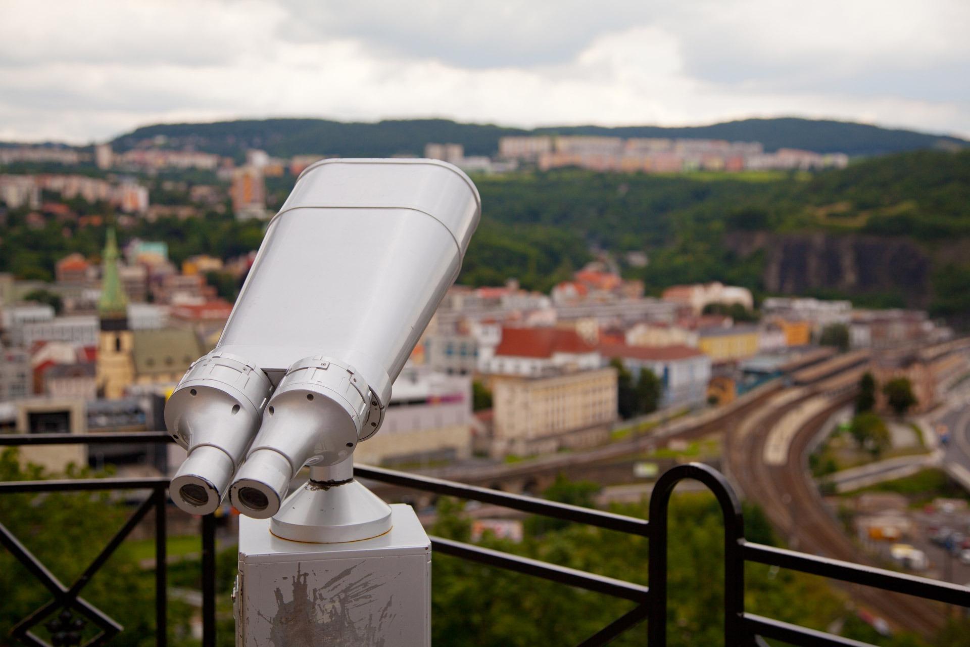 Binocular1