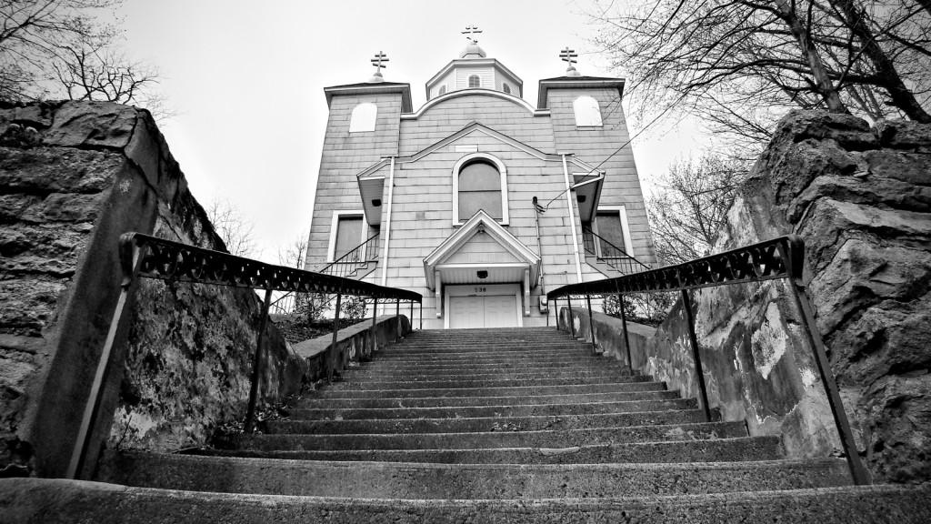 Biserica din orasul Centralia; Sursa: morbidofest.com