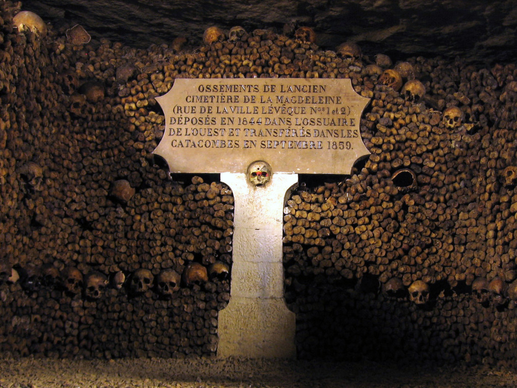 Catacombele din Paris; Sursa: wikipedia.com