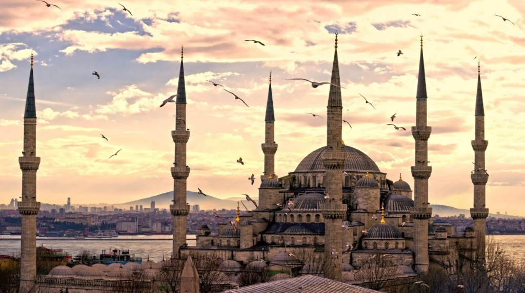 Moscheea Albastra din Istanbul; Sursa: wallpaperswide.com