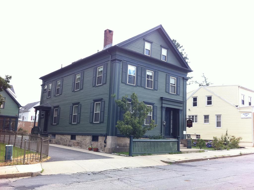 lizzie burton house
