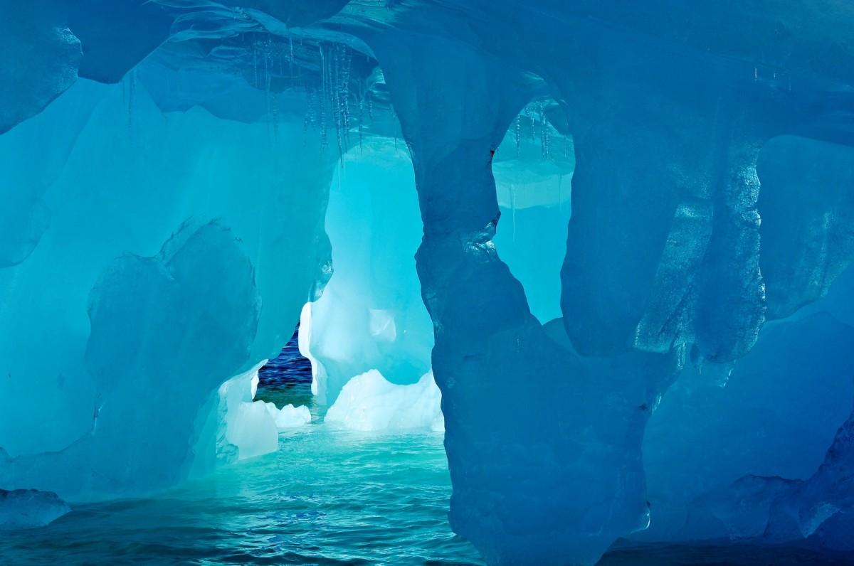 Antartica sub gheata1