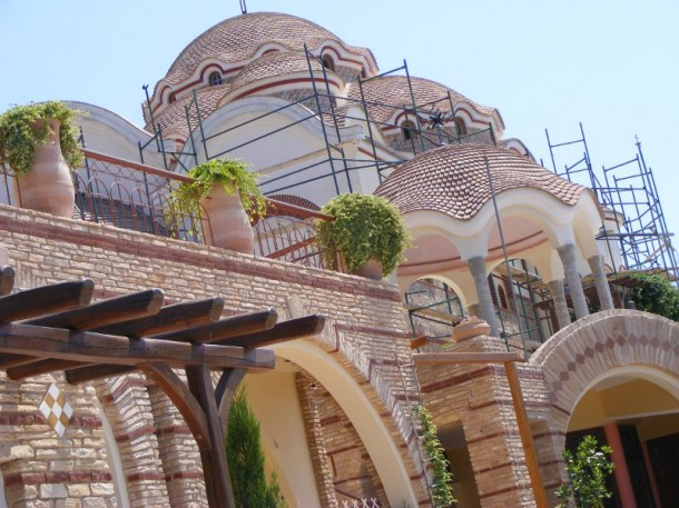 1 Biserica cea noua a manastirii sfantul arhanghel mihail