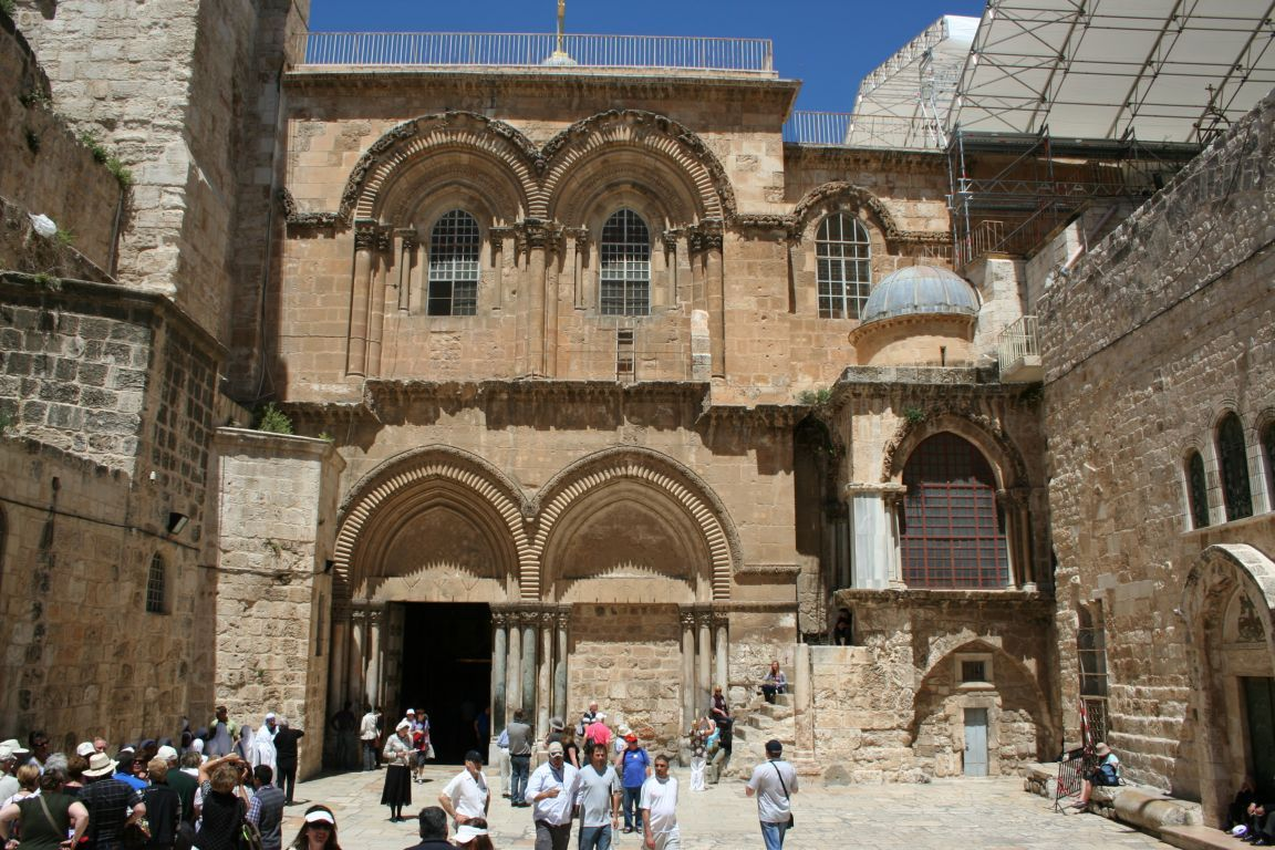 entrance-to-the-church-of-the-holy-sepulchre-jerusalem-israel+1152_13041807895-tpfil02aw-12403