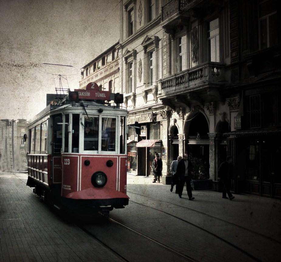 istanbul___taksim_by_POTPeace
