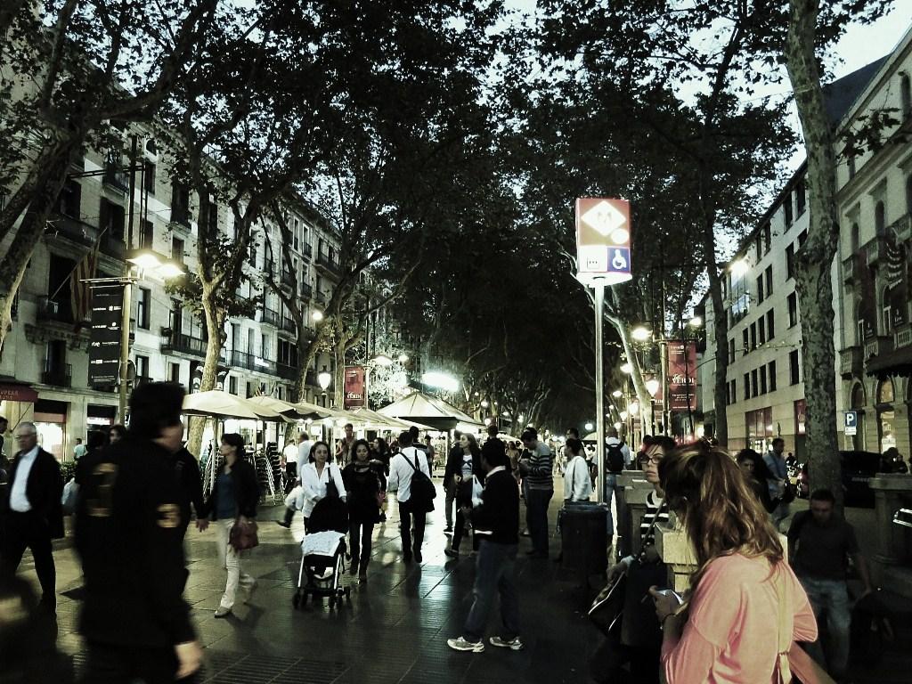 La-Rambla-at-dusk-Barcelona-Spain