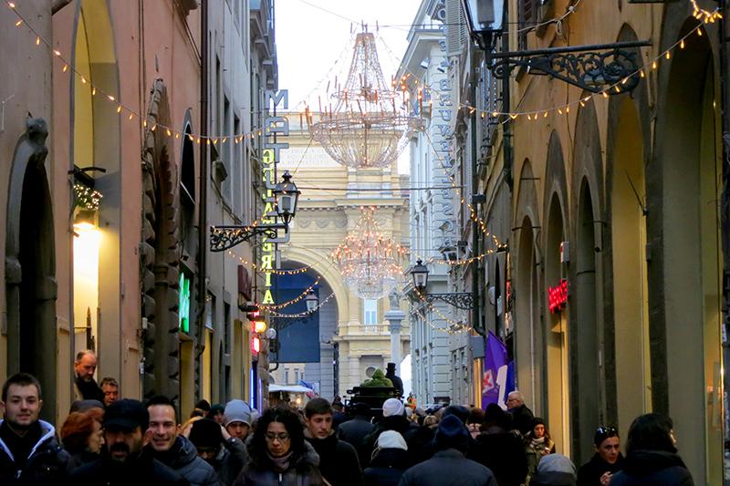 Shopping-in-Florence-Via-del-Corso