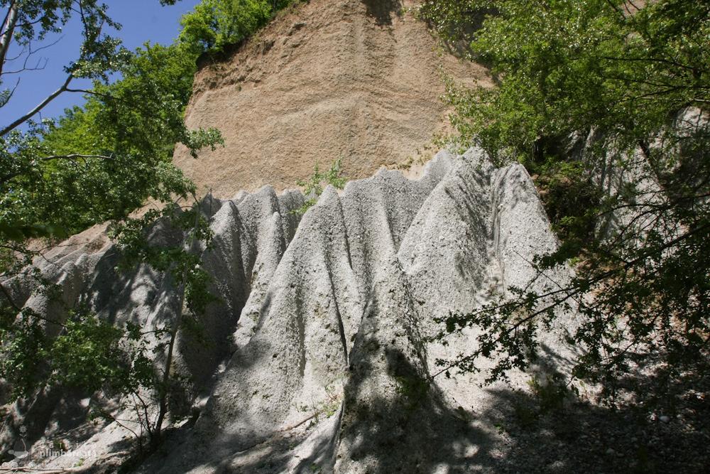 Piramidele-de-pamant-de-pe-Valea-Stancioiului-Ramnicu-Valcea_11
