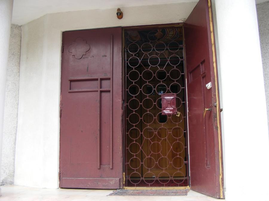 biserica martir intrare