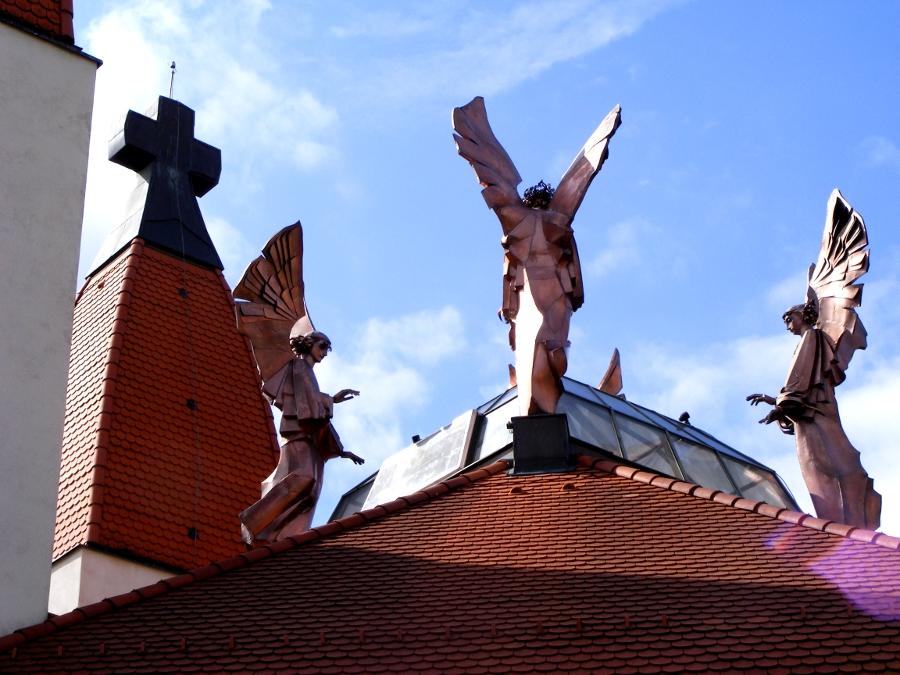 Biserica Milenium ingeri