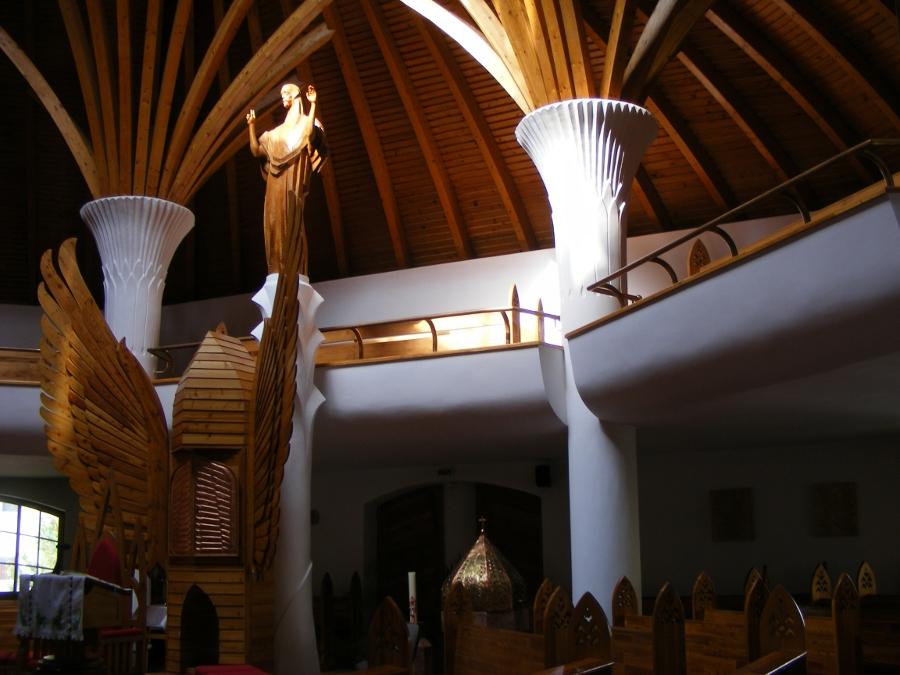 Biserica Milenium interior