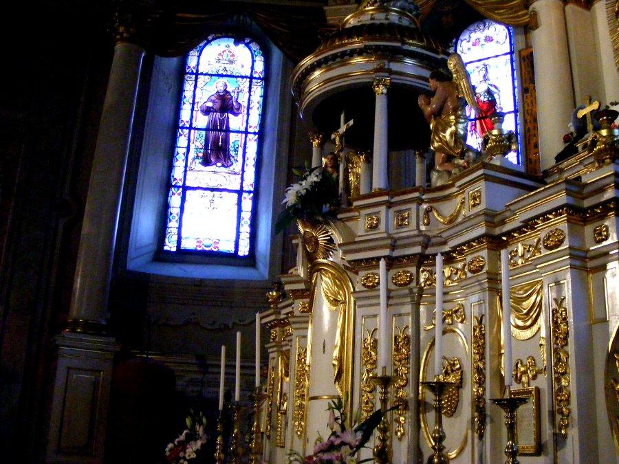 vitralii altar