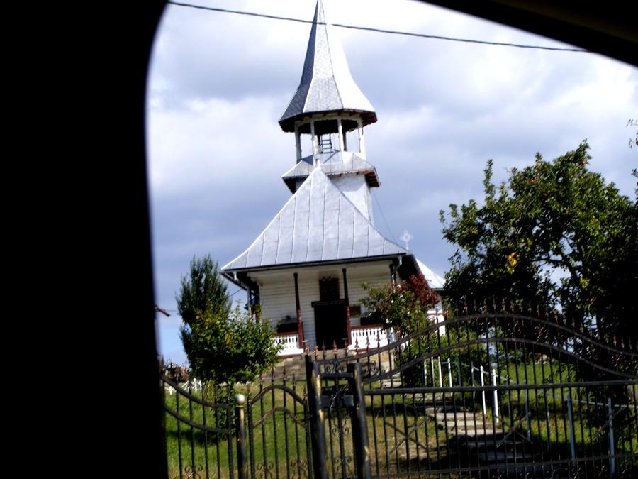 biserica la intors