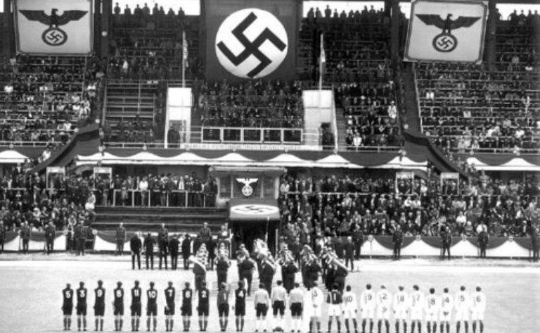 propagandă fascistă