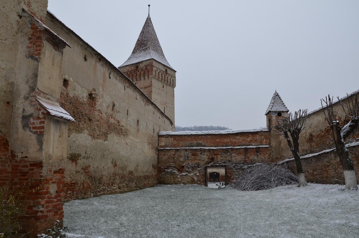 227 - Mosna - Biserica fortificata - 12.12.2013