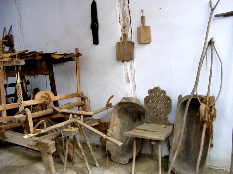 acareturi de lemn in spate