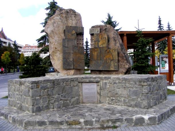 monumentul eroilor prigoniti miercurea ciuc