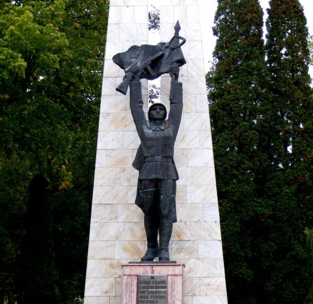monumentul ostasilor eliberatori miercurea ciuc