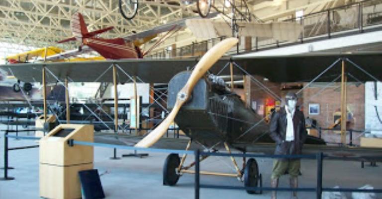 Muzeul Aviației din cadrul Aeroportului College Park
