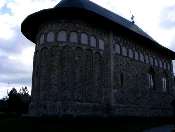 biserica borzesti exterior