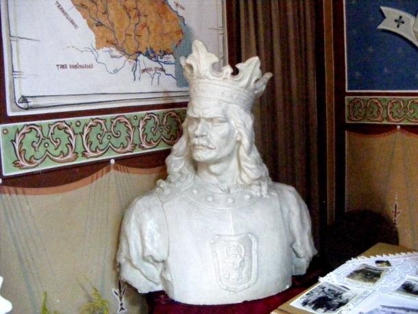 muzeu borzesti stefan cel mare bust alb
