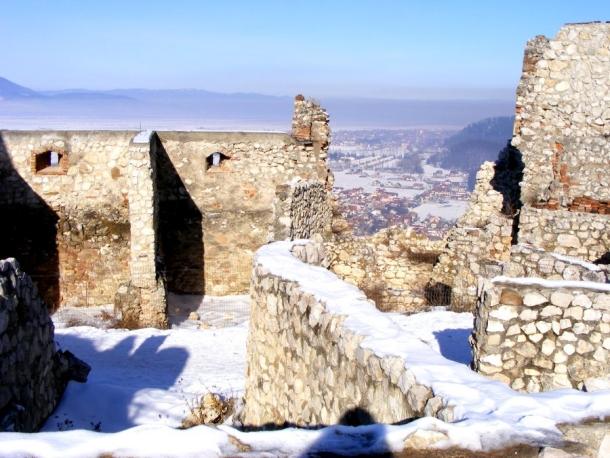 oras prin ziduri cetatea rasnov