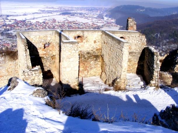 ziduri de sus cetatea rasnov
