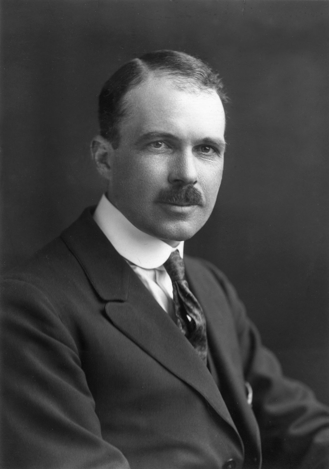 Sir William Lawrence Bragg, câştigător al Premiului Nobel