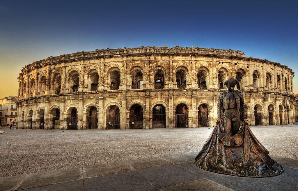Amfiteatrul roman din Nimes