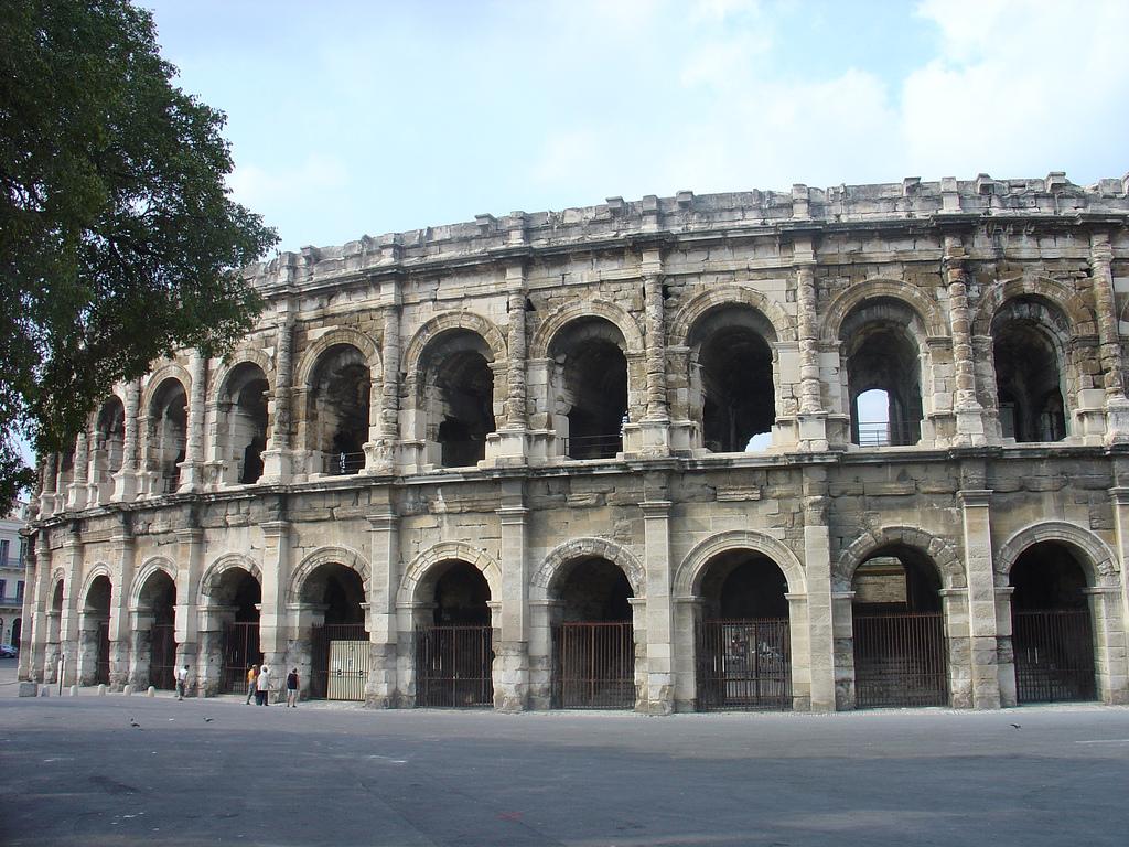 Arena romana din Nimes111