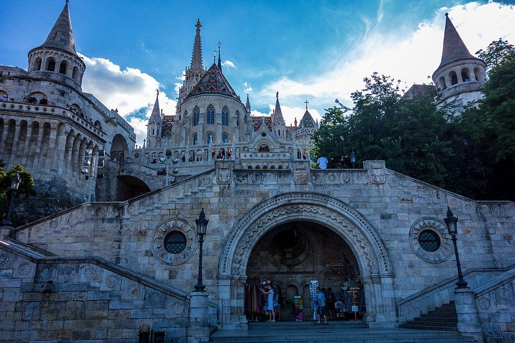 Bastionul Pescarului din Budapesta111